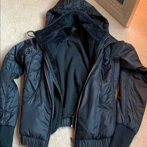 Size 4 lululemon heavy wind breaker coat